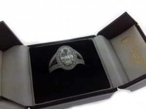 oval engagment ring