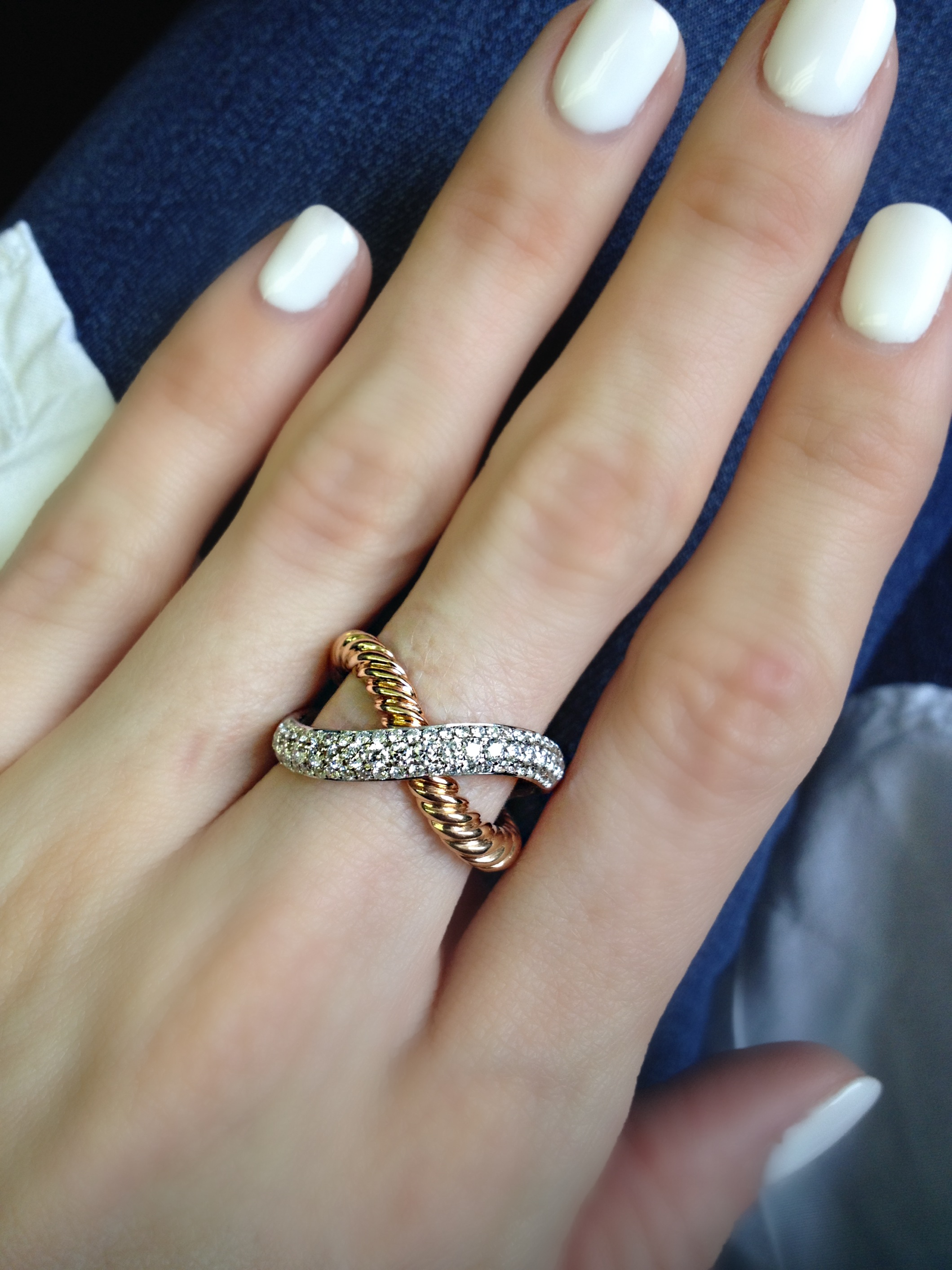 Rope textured rose gold and diamonds