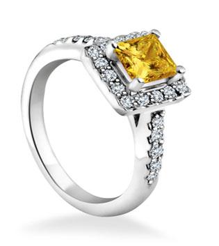 Engagement Ring With Halo Diamond Toronto