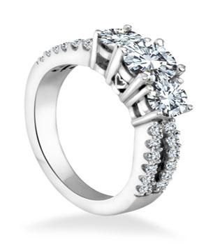 Engagement Ring 3 Stone Round Brilliant