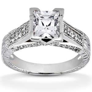 Engagement Ring With Round Diamond