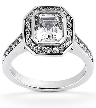Engagement Ring Ascher Cut Halo Diamond