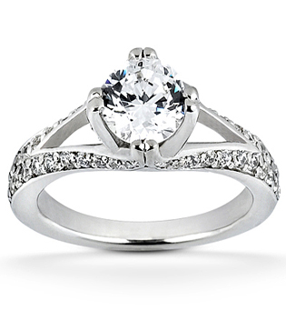 Split-Shank Brilliant Engagement Ring