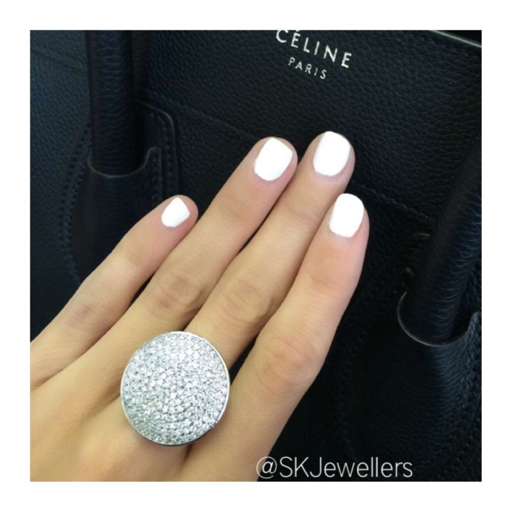 Pave diamond disc ring